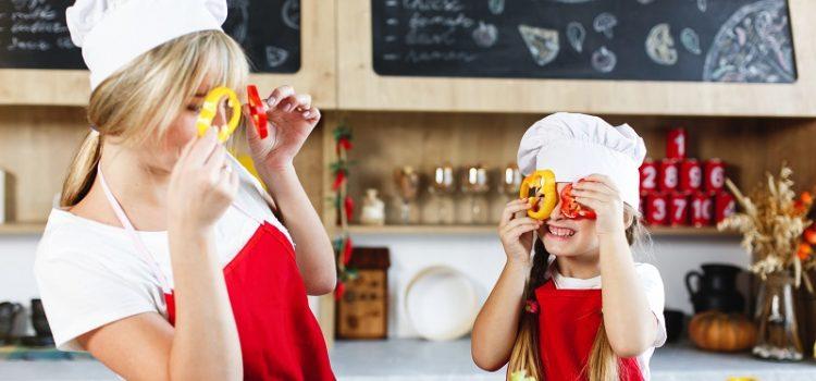 Jak zachęcić dziecko do jedzenia warzyw i owoców?